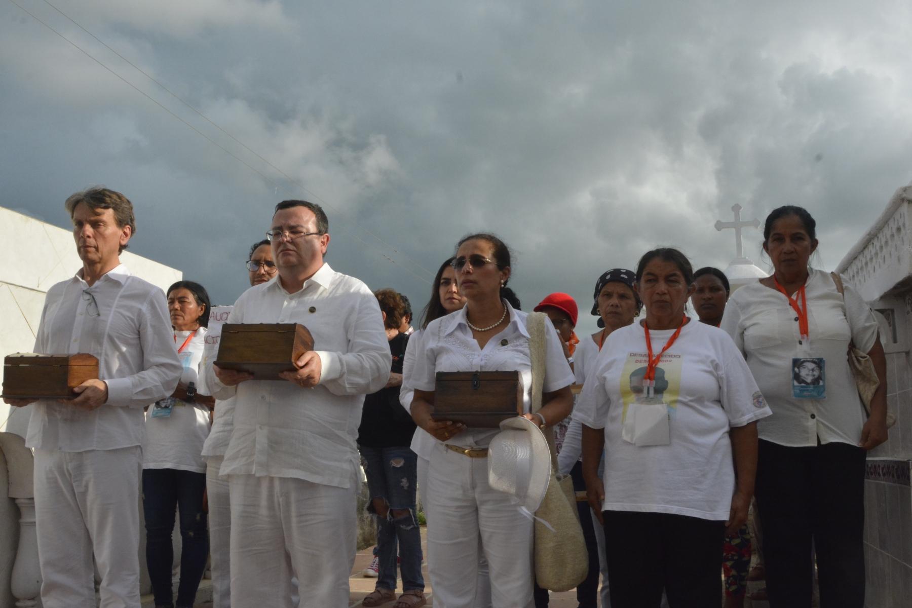 Visita al Cementerio Central de San Onofre (Sucre)