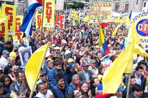 VIOLENTA ARREMETIDA CONTRA EL SINDICALISMO EN COLOMBIA  TRES ASESINATOS EN DIEZ DÍAS